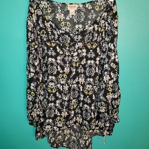 Never worn! Mossimo floral peasant top